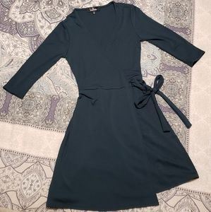 Forest green Lulus wrap dress NWOT